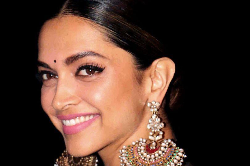 جایزه بزرگ برای سر بریدۀ هنرپیشه زن هندی!