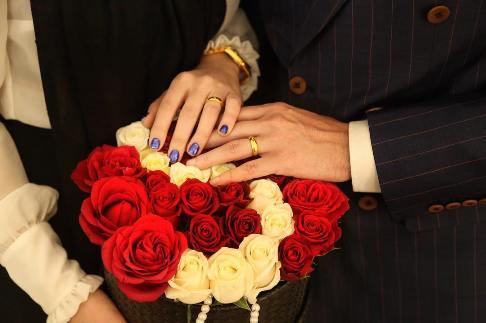 بازیگر ایرانی بالاخره با دختر مورد علاقه اش ازدواج کرد!