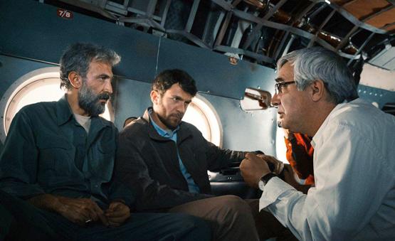 ادعای یک روزنامه: حاتمی کیا به شرط ِدریافت سیمرغ، فیلمش را به جشنواره داده است!