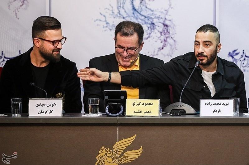 توضیحات نوید محمدزاده دربارۀ مدل عجیب موهایش و بازی در نقش آدم های عقده ای!