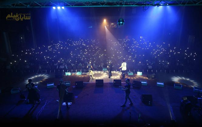کنسرت برای جوانان مانند آب نبات چوبی است!