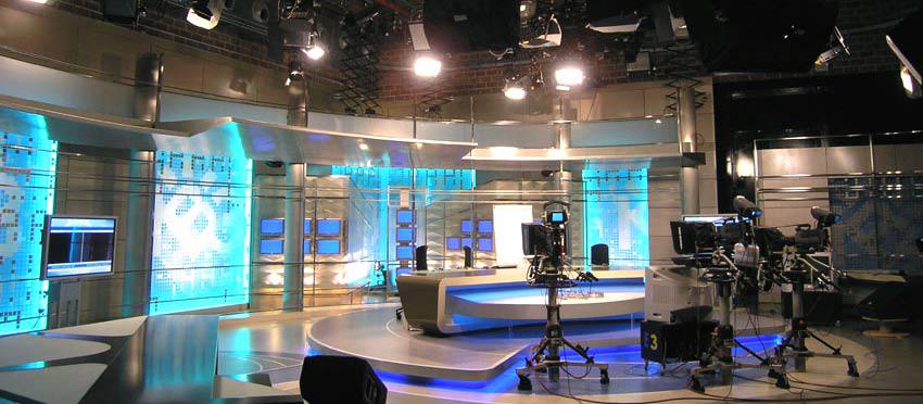 واکاوی حضور سلبریتیها در برنامههای تلویزیونی