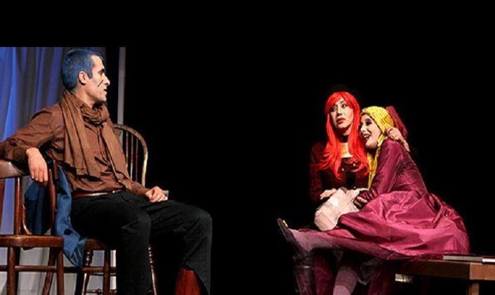 ماجرای دنبالهدار «کلاهگیسها» در تئاتر +عکس