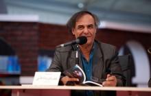 قطب الدین صادقی سه نمایش روی صحنه می برد