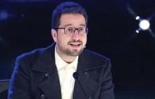 حملات رسانه ای به نحوه حضور  سید بشیر حسینی در برنامه«عصر جدید »: حماقت بار است!