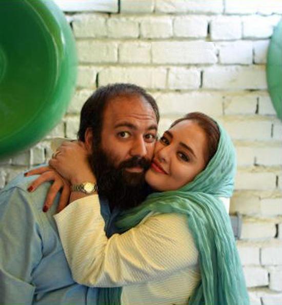 عکس: نرگس محمدی در آغوش همسرش!